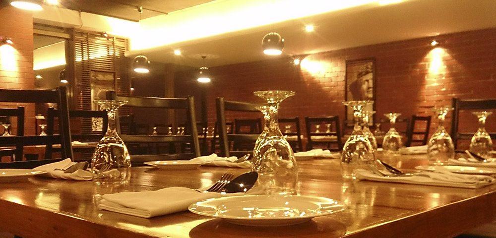 En este artículo encontrarás las claves para generar experiencias únicas en tu restaurante gracias al interiorismo de restaurantes.