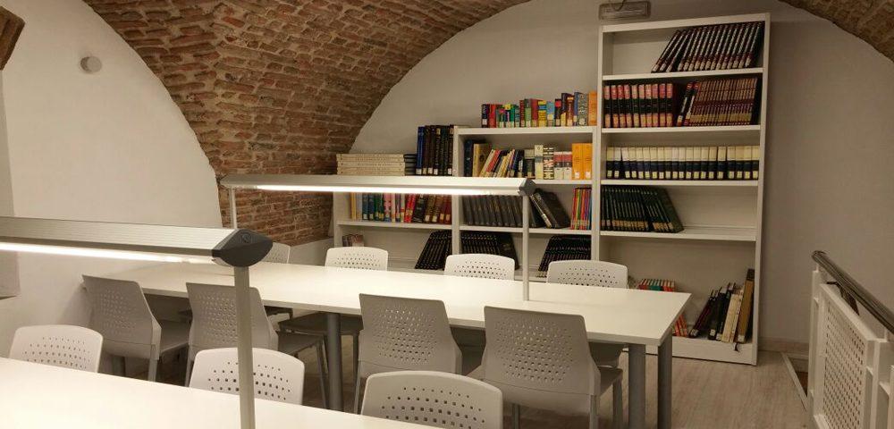 biblioteca pública municipal coria por mofexsa
