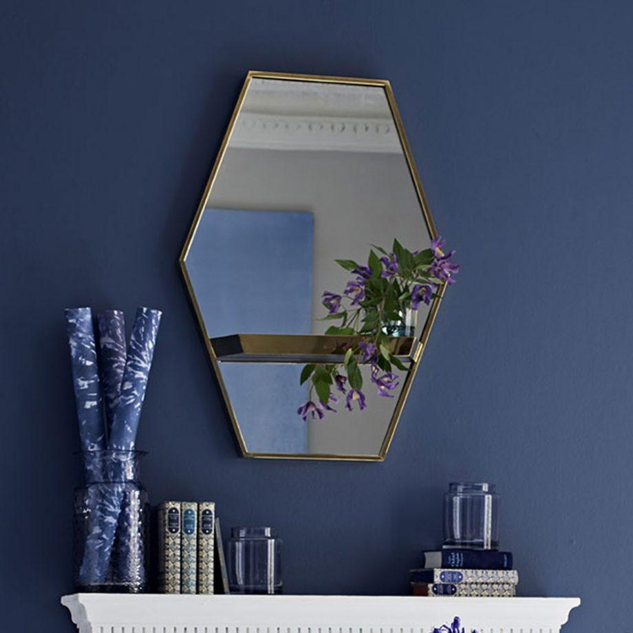 espejo con borde metalico